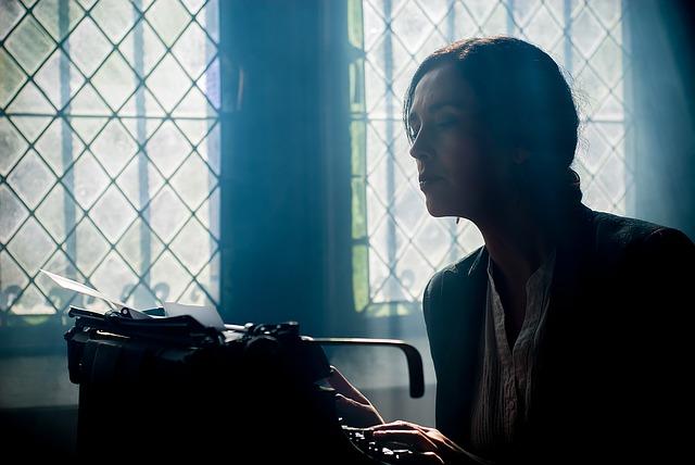 Szövegírók, akik szöveget írnak